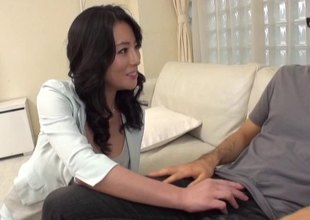 Asian hottie with large boobs likes the taste of precum