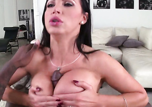 Dark brown Nikki Benz with racy booty has great sexual experience and expands it with hard dicked guy