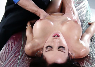 Fuck crazed woman Capri Cavanni getting hardcored by hot dude Johnny Sins