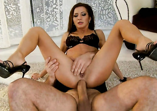 Brunette Alice Romain gets her mouth attacked by dudes beefy upright sausage