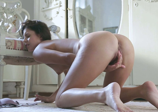 Desirable brunette playgirl Brandy Smile masturbates and screams with joy