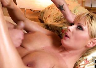 Blonde hussy Sheila Grant shows her love for jizz in steamy spunk fountain scene