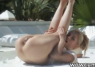 Blondie widening twat gone from
