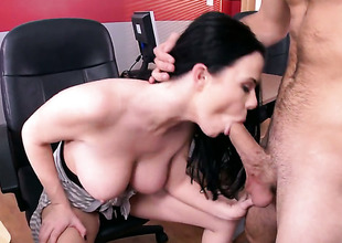 Logan Pierce gets pleasure from fucking unbelievably sexy Loni Evanss slit