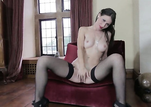 Jess West strips down to her leafless skin for your viewing entertainment