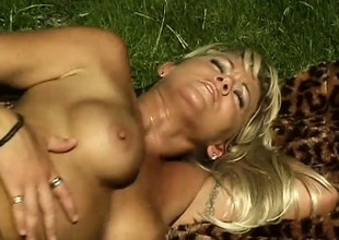 Horny golden-haired Milf seduces the hired aid and blows before that guy drills her
