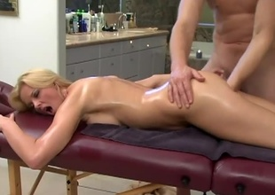 Hannah Harper is blond with an stunning figure. She loves schlong and that babe admires her sweet tits. What was suppose to start as a massage, leads into the shower where this dude rubs down her tits and gets her in horny mode. This guy fingers her wet pussy and rubs he