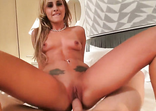 Skinny angel Nikki Seven sucking one