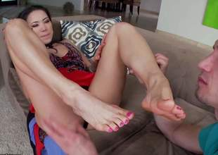 A sexy Oriental beauty is plan to give him a wonderful and sensual footjob. Hes gonna love it ergo much that hes plan to spray his jizz all over her big feet and her firm legs