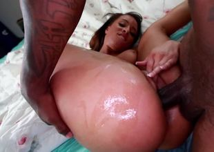 Black gal has cum dripping from her mouth after she sucks