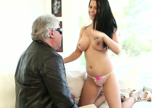 Alluring all undressed busty dark brown has no thing against engulfing protracted big pecker