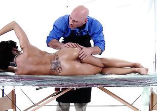 Capri Cavanni is getting a sex massage