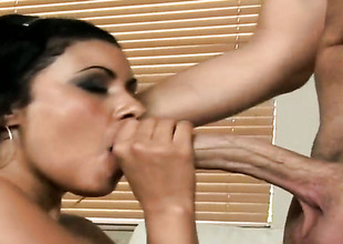 Brunette hair latin Giselle with bubbly point of departure is dangerously horny after giving blowjob to Sergio