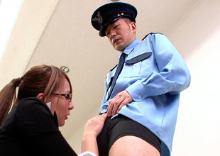 Agent Kizaki Blows Throughout Security