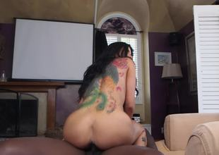 Raven-haired lady Romi Rain works well with great black penis