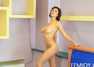 Carla Nude In the Bedroom