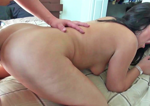 A brunette crawl gets her arse drilled in this fine video